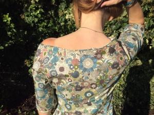 Dahlia neckline
